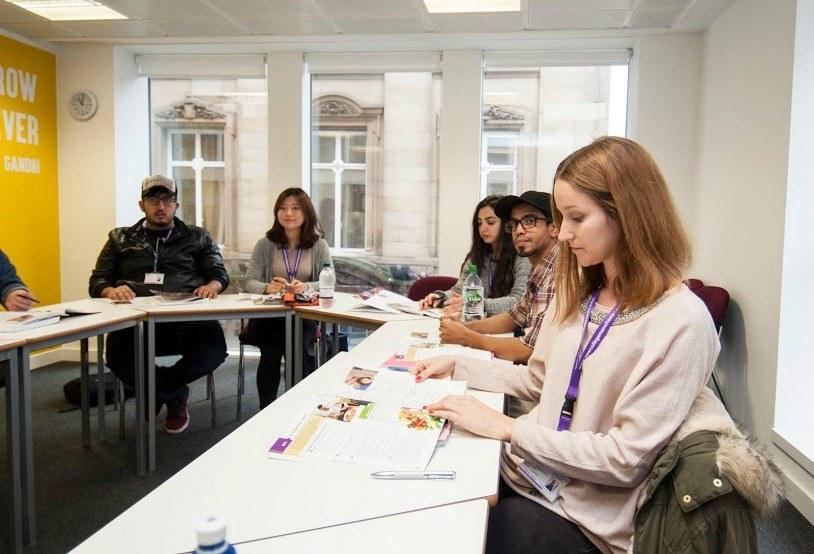 Manchester New College lezioni
