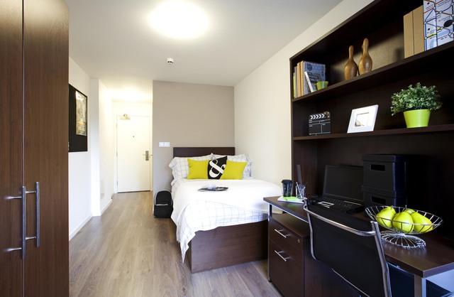 3Eurocentres LON Central bedroom