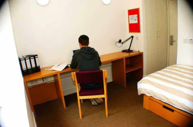 Victoria mills bedroom studying