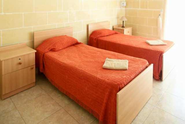 IELS Gozo_alloggi_residence_bedroom