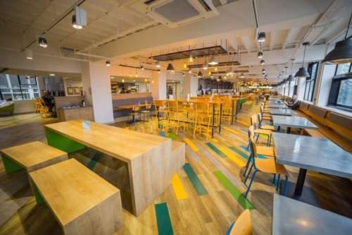 Viaggio Studio ragazzi Manchester Maxwell cafe side view