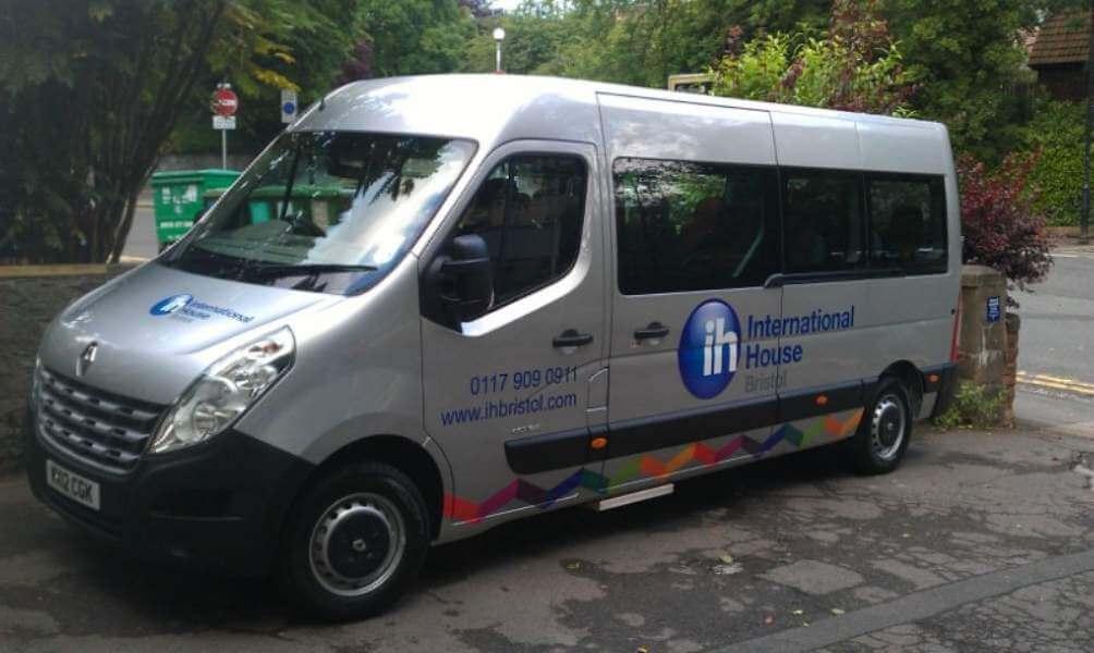 IH Bristol. Bus