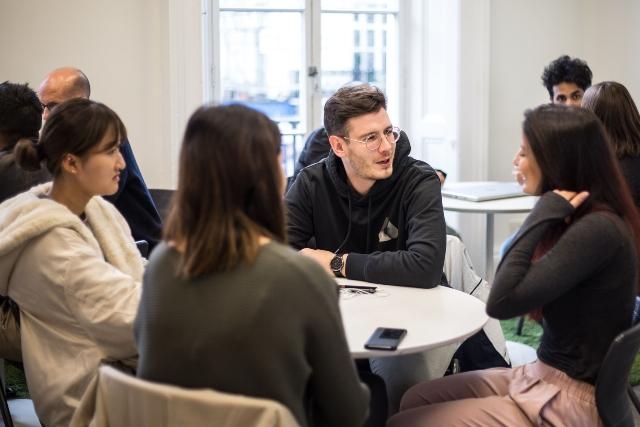 London-Eurocentres-studenti-socializzazione